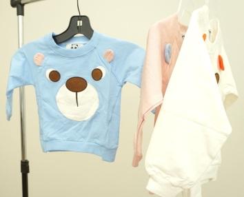 Bear My Face Sweater- DSC06088